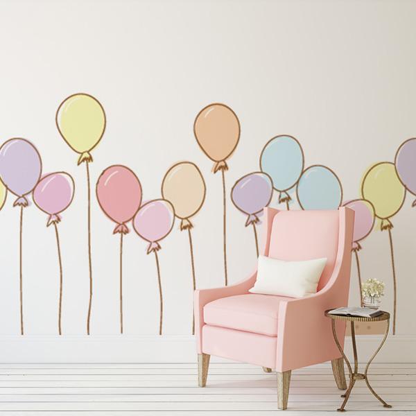 カラフルな風船の子供部屋